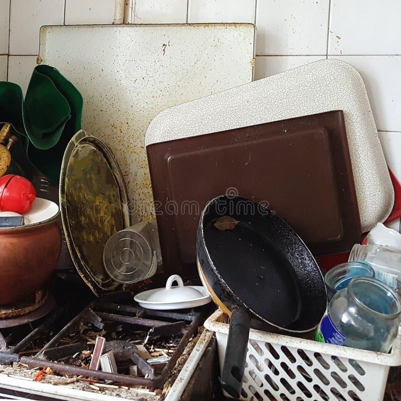 Una estufa muy sucia fragmentos de los partidos - Como limpiar una cocina muy sucia ...