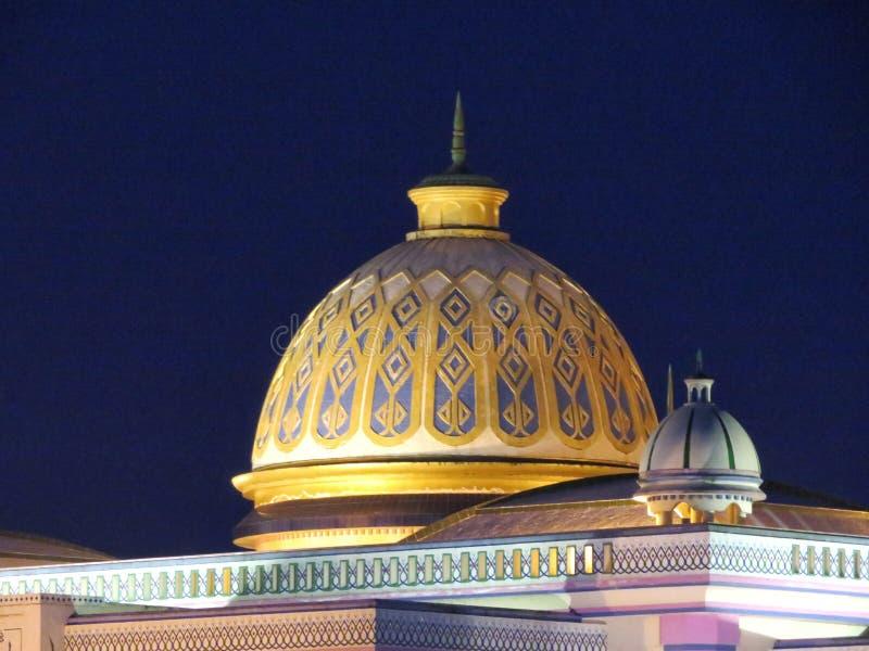 Una famosa mezquita en Barisal, Bangladesh imagenes de archivo