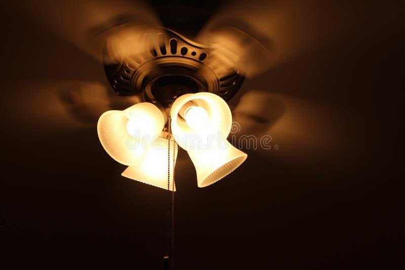 Una fan real con 4 luces y cuatro alas fotos de archivo