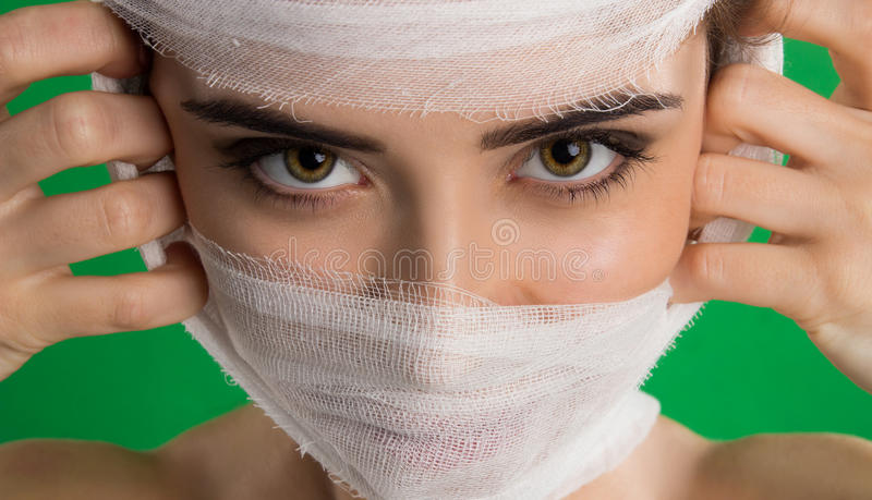 Una fasciatura su un paziente fotografia stock