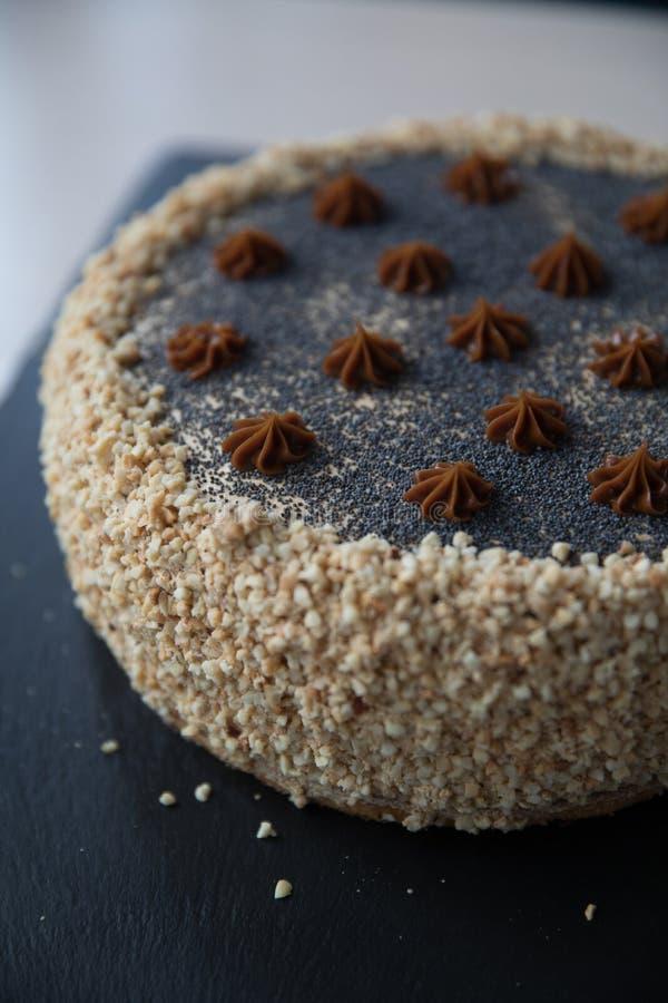 Una fetta di dolce delizioso Parte della torta su una zolla Alimento dolce Dessert dolce Fine in su fotografia stock