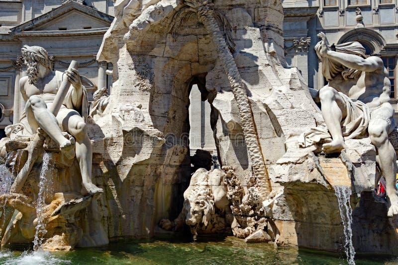 Una fontana di quattro fiumi, piazza Navona, Roma, Italia immagine stock