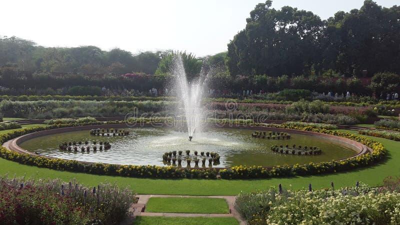 Una fontana nel giardino Nuova Delhi India di Mughal immagini stock