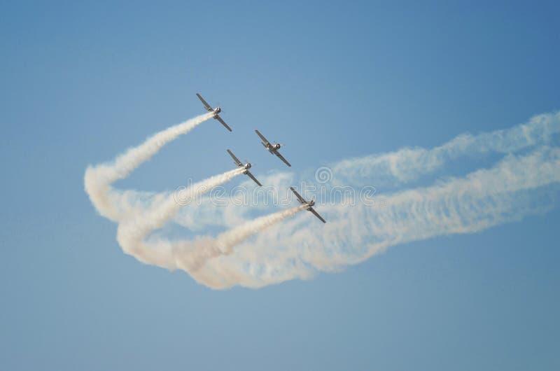 Una formazione di quattro voli fotografia stock