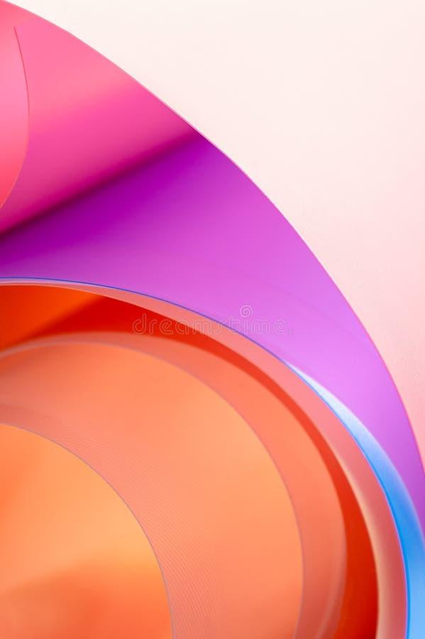 Una foto del primer es un fondo de arcos multicolores con una pendiente imágenes de archivo libres de regalías
