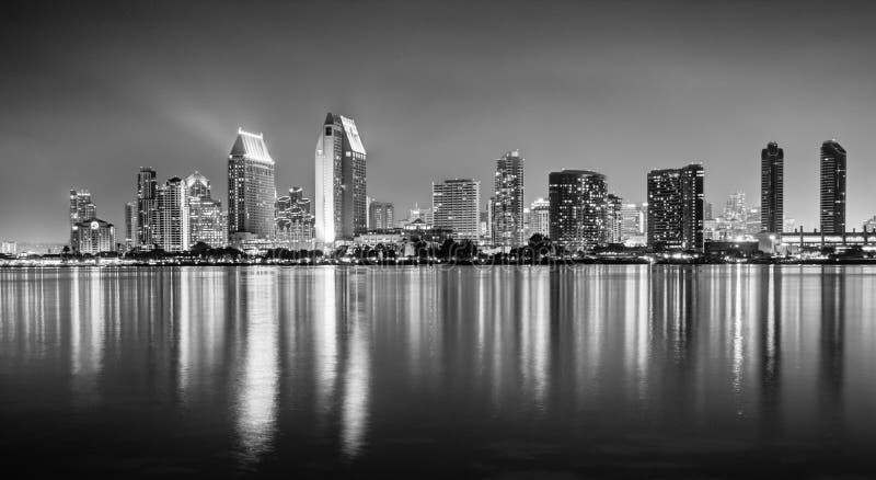 Una foto di HDR dell'orizzonte di San Diego dal Coronado islan fotografie stock libere da diritti
