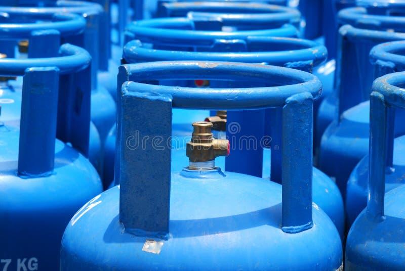 Los tanques portátiles de los cilindros de gas imagen de archivo libre de regalías