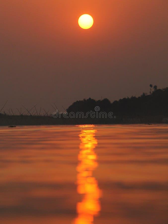 Una gran puesta del sol imágenes de archivo libres de regalías