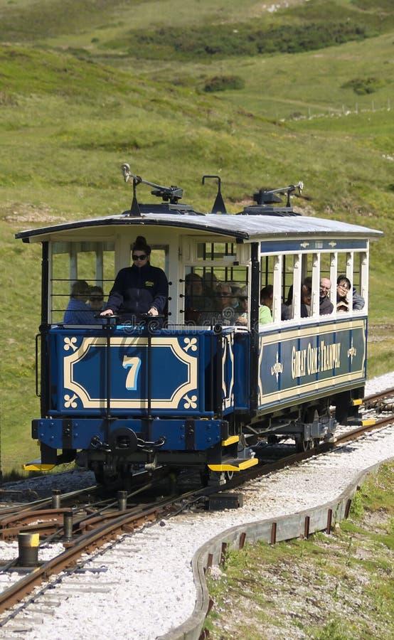 Una grande linea tranviaria di Orme prende i turisti alla cima, Llandudno, Galles, il GB, Regno Unito immagine stock