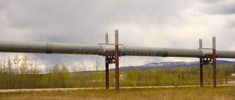 Una hazaña de la ingeniería en la capa permanente de hielo de Alaska fotografía de archivo libre de regalías