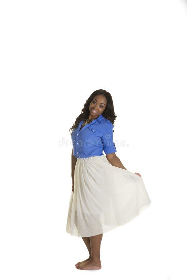 Download Una Hembra Atractiva Aislada Llevando Una Falda Imagen de archivo - Imagen de pelo, confidente: 44851441