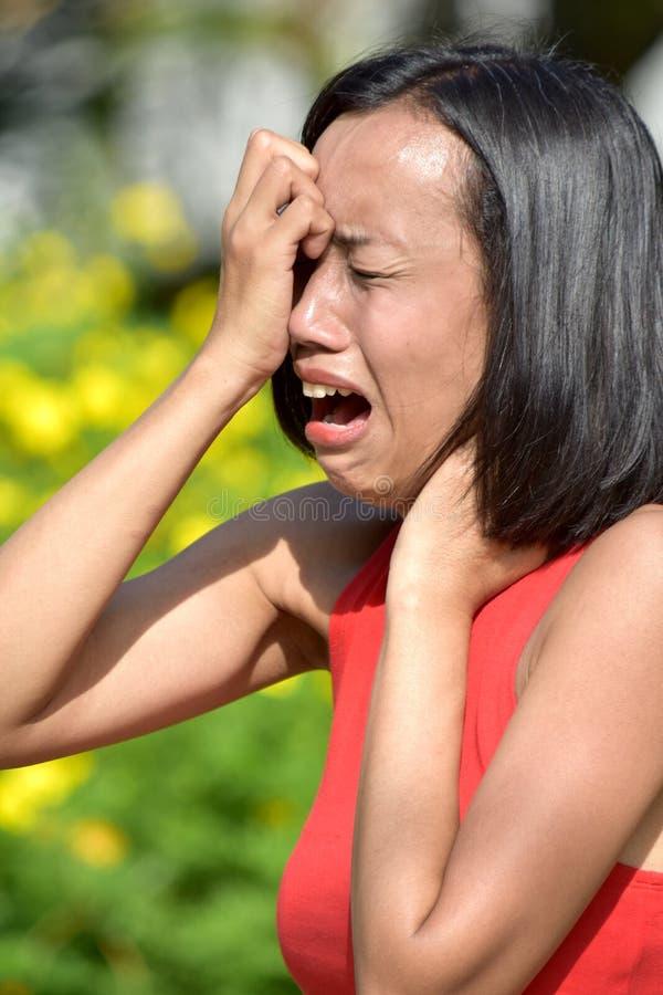 Una hembra bajo tensi?n imagen de archivo libre de regalías