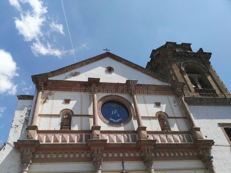 Una iglesia foto de archivo