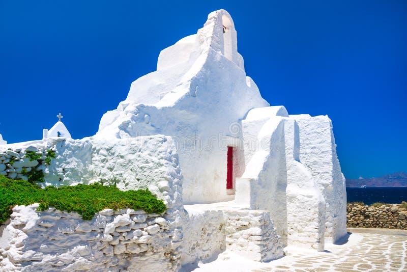 Una iglesia del siglo XIV de Paraportiani en la isla de Mykonos imágenes de archivo libres de regalías