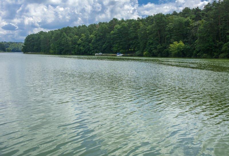 Una imagen hermosa del paisaje del centro del río, sur imagenes de archivo