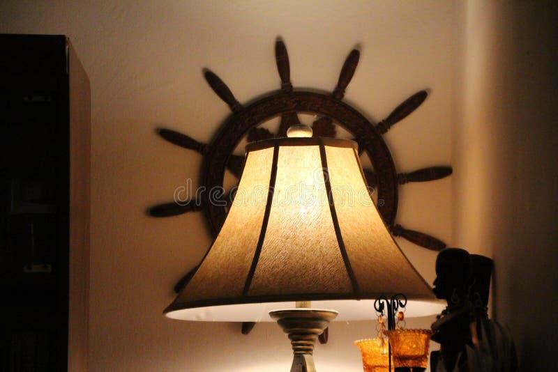 Una lampada lenitiva di tramonto di sera immagini stock libere da diritti