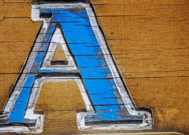 Una letra de madera tallada A imágenes de archivo libres de regalías