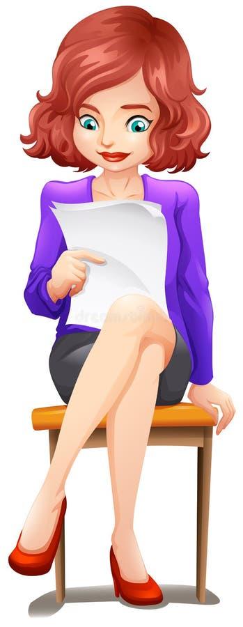 Una lettura di signora mentre sedendosi al banco royalty illustrazione gratis