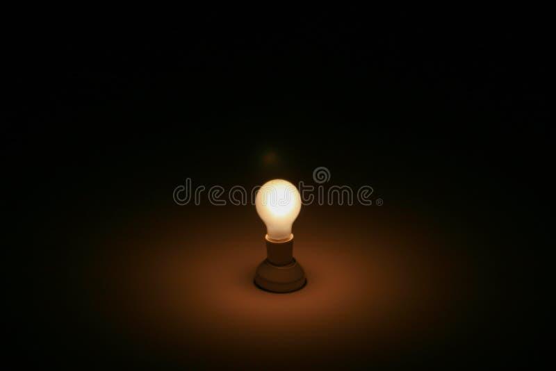 Una luz en la oscuridad foto de archivo libre de regalías