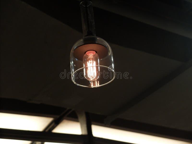 Una luz incandescente imagenes de archivo