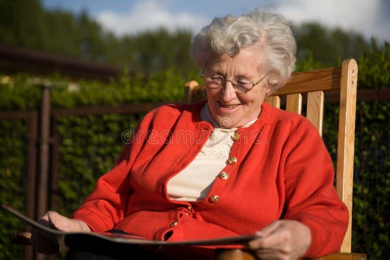 Una más vieja señora foto de archivo libre de regalías