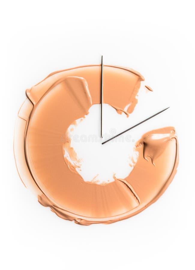 Una mancha de la fundación bajo la forma de semicírculo, simbolizando el reloj El concepto de base tonal de la persistencia duran fotografía de archivo