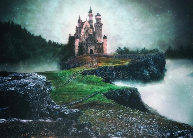 Una manipulación de la foto de un castillo sobre las nubes en un s mágico fotografía de archivo