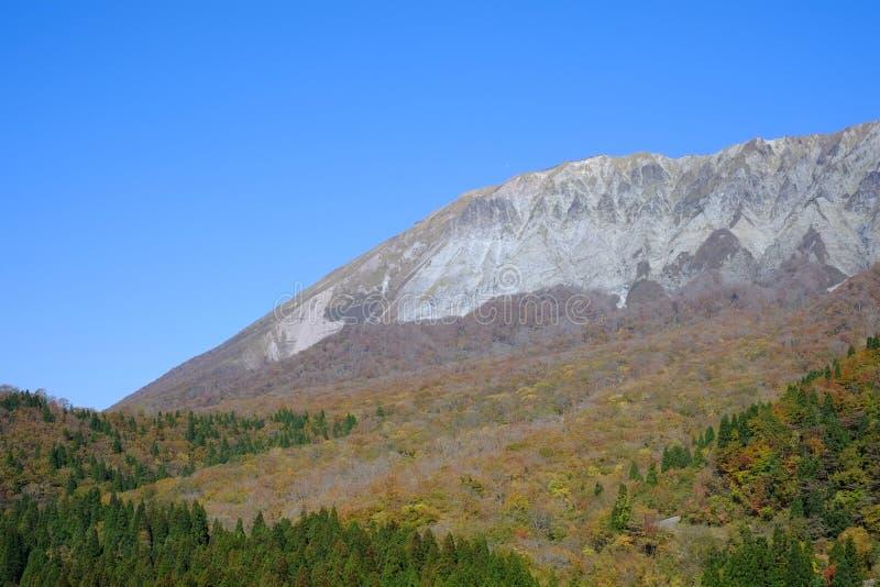 Una montaña famosa Daisen en la prefectura de Tottori en Japón fotografía de archivo