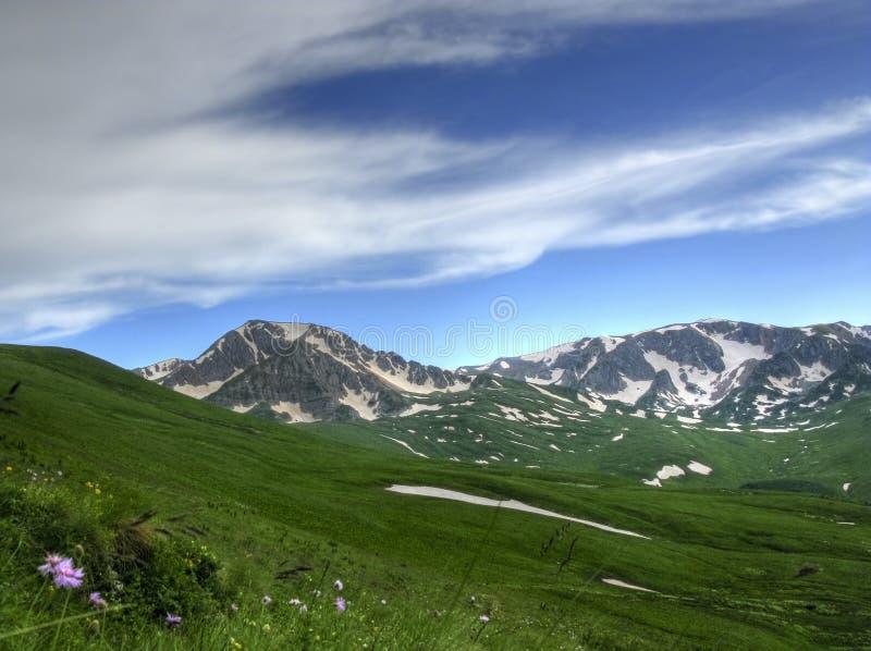 Una montagna di Oshten di Caucaso fotografia stock