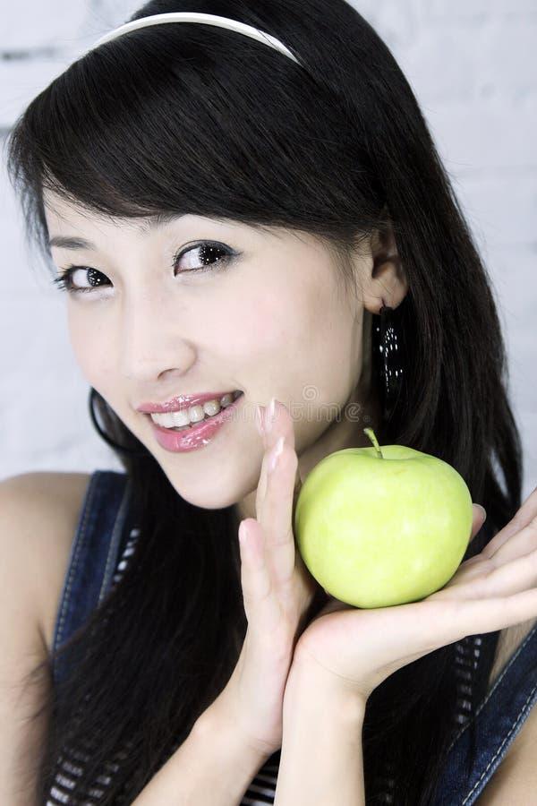 Una muchacha asiática hermosa. imágenes de archivo libres de regalías