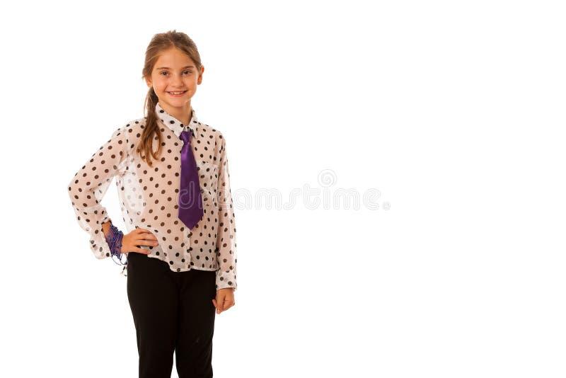 Una muchacha con la presentación de moda de la ropa aislada sobre blanco fotografía de archivo