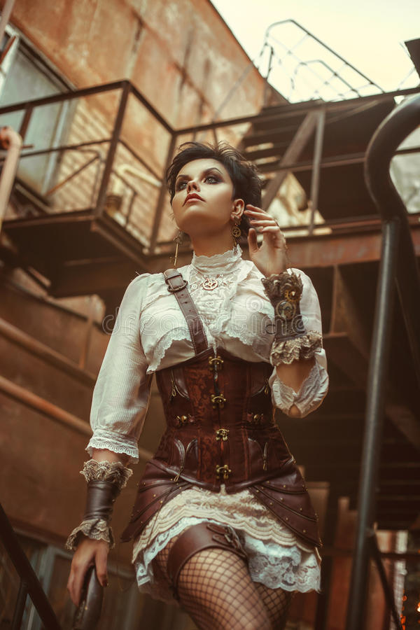 Una muchacha en el estilo del steampunk imágenes de archivo libres de regalías