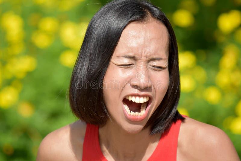 Una mujer bajo tensi?n fotografía de archivo libre de regalías