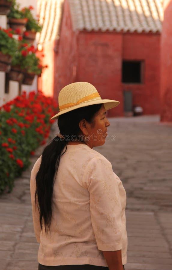 Una mujer peruana en Arequipa imágenes de archivo libres de regalías