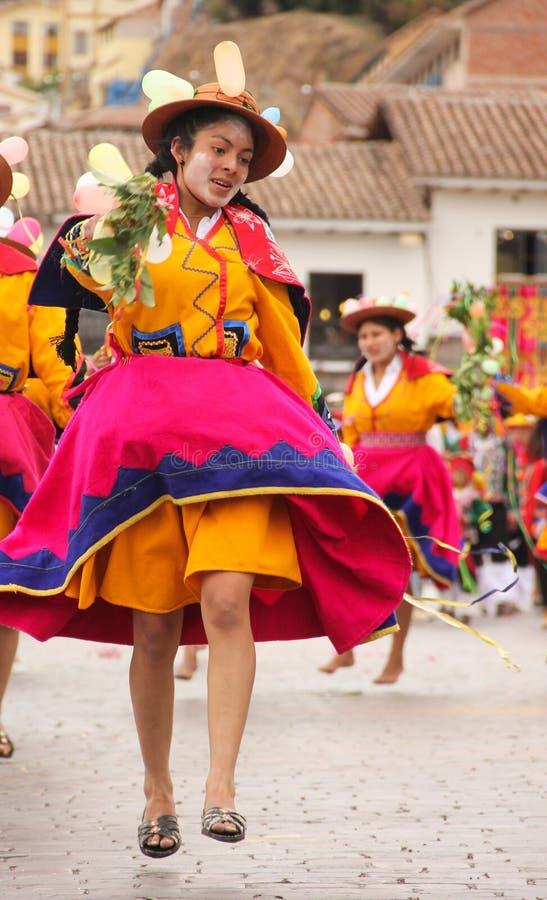 Una mujer peruana en un festival fotografía de archivo