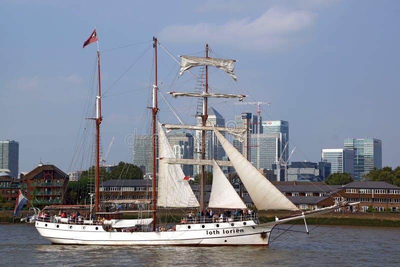 Una nave alta immagine stock