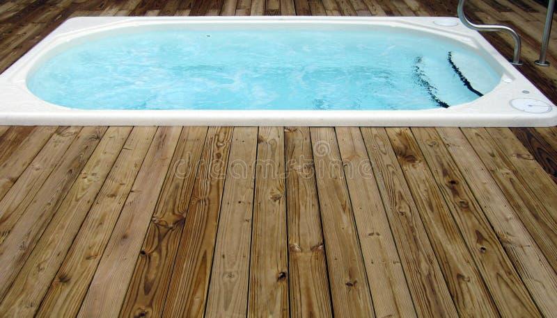 Una nuova vasca calda fotografia stock