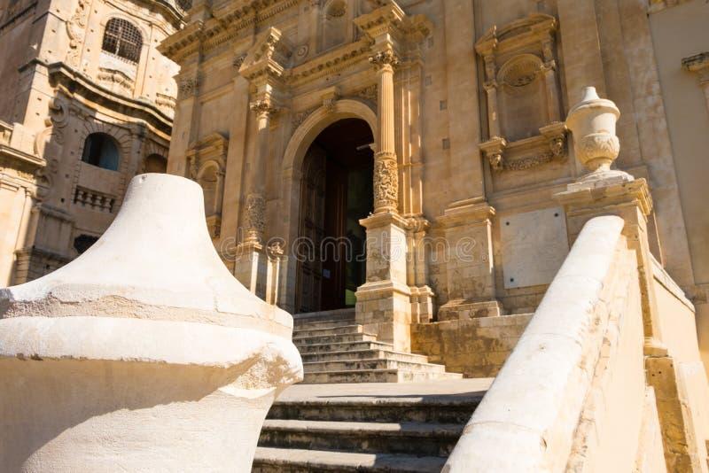 Una ojeada de la última arquitectura barroca en Noto, Italia fotografía de archivo libre de regalías