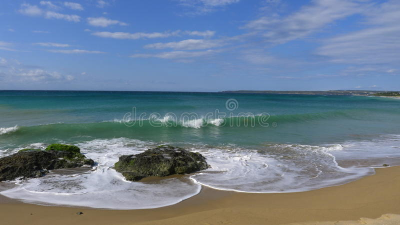 Una onda en forma de corazón del mar fotos de archivo libres de regalías