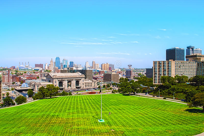 Una opinión de alto ángulo de Kansas City Missouri fotografía de archivo