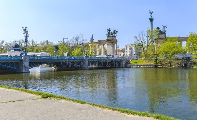 Una opinión los héroes cuadrados Budapest imágenes de archivo libres de regalías