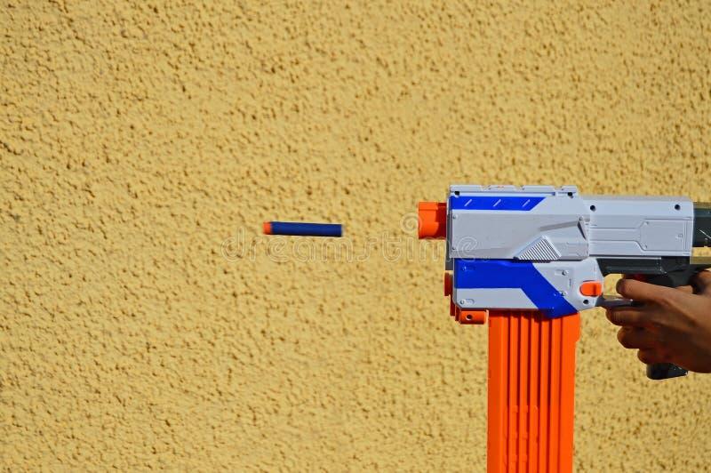 Una pallottola d'accelerazione fotografia stock
