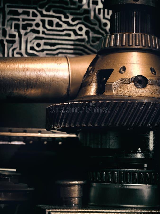 Una pared antigua del vintage con los mecanismos en el estilo del steampunk imagen de archivo libre de regalías