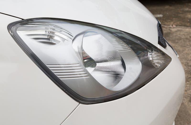 Download Una Parte Delle Automobili Moderne Immagine Stock - Immagine di tubo, parcheggio: 55364757