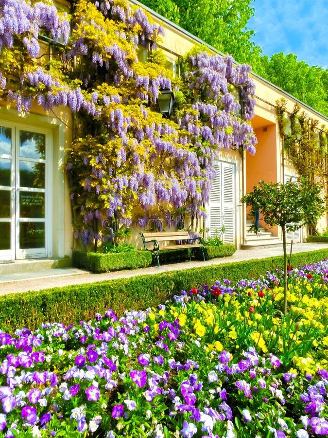 Una parte di bello Mirabell fa il giardinaggio a Salisburgo fotografie stock libere da diritti