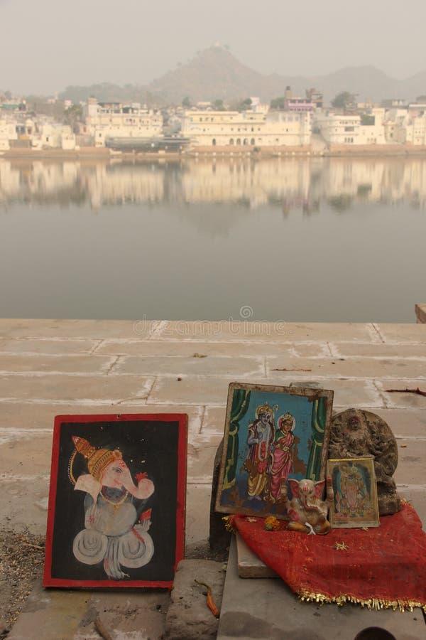 Una pequeña capilla en los ghats fotos de archivo libres de regalías