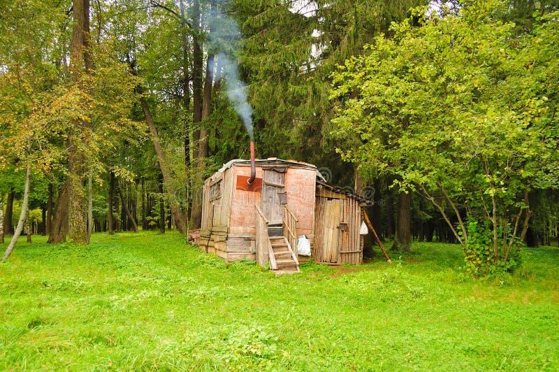 Una pequeña casa fotografía de archivo libre de regalías