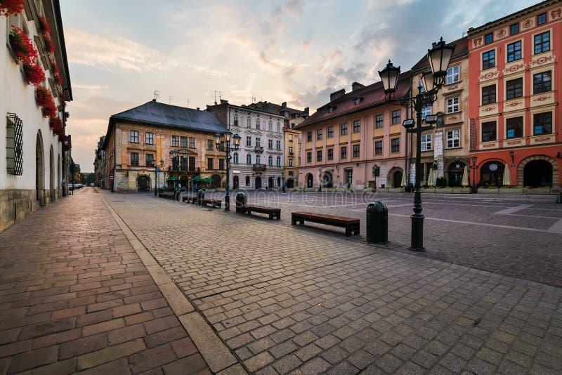 Una pequeña plaza del mercado Maly Rynek en Kraków imágenes de archivo libres de regalías
