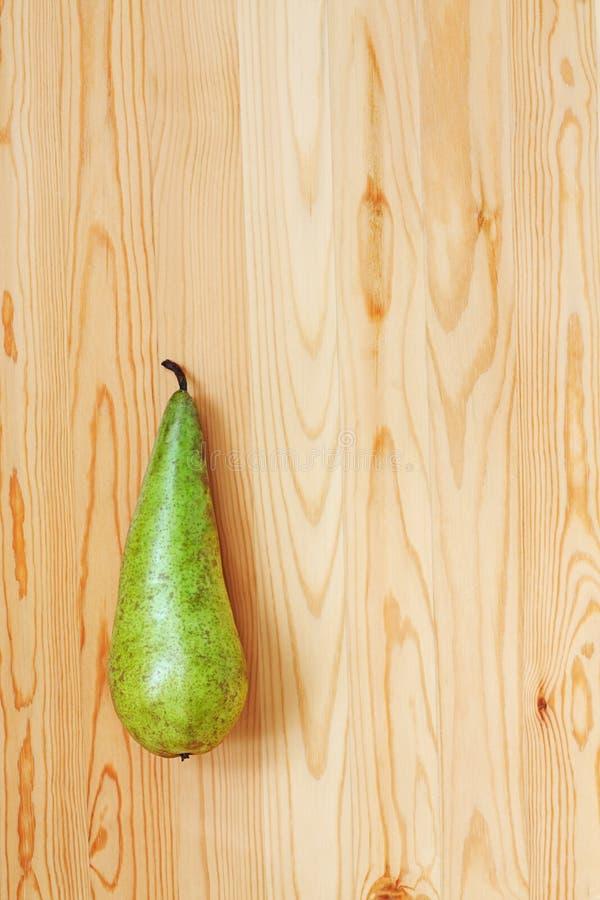 Una pera verde imagen de archivo libre de regalías