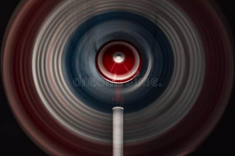 Una perinola hace girar en la noche foto de archivo libre de regalías